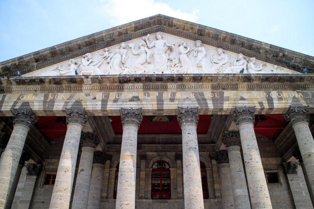 Visita el Teatro Degollado una de las cosas qué hacer en Guadalajara