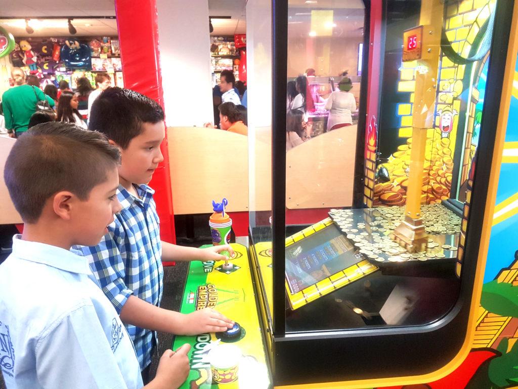 Chuck E. Cheese's. Guadalajara para niños.