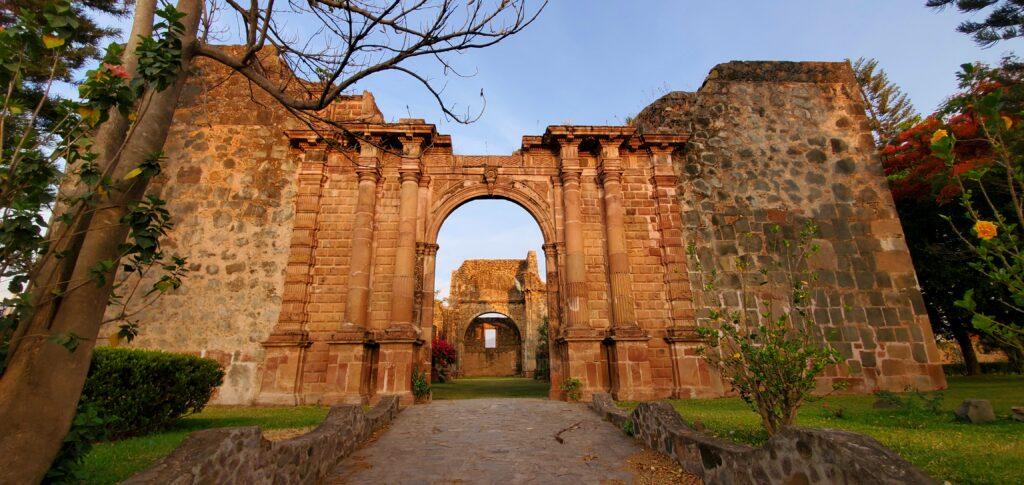 Templo Inconcluso La Preciosa Sangre, Mascota Jal.